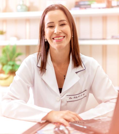 Dra. Kelly Silva
